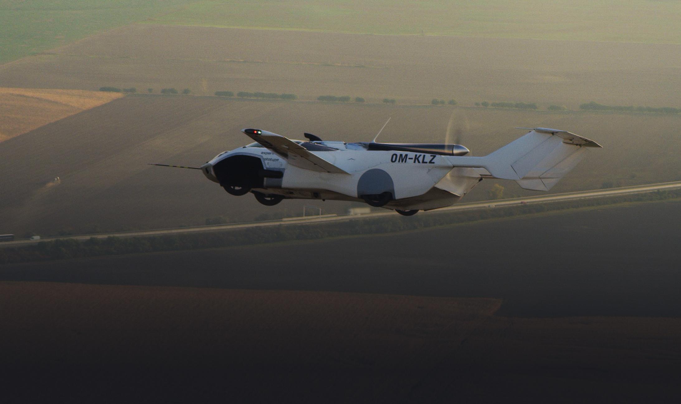 2aircar-flying